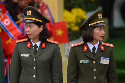 Ga Dong Dang tang cuong an ninh truoc gio tien ong Kim Jong Un hinh anh 12