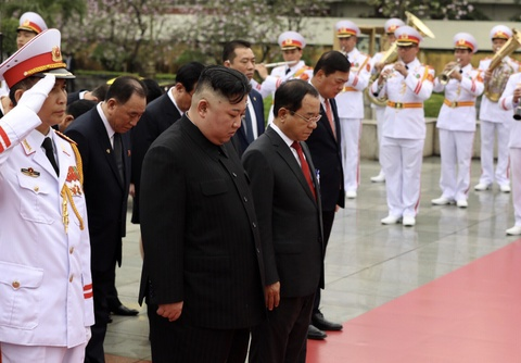 Chu tich Kim Jong Un vieng Lang Bac, dai liet si hinh anh 5
