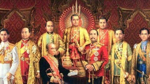 Nuoc thieng va 5 bieu tuong vuong quyen trong le dang co cua vua Thai hinh anh 1
