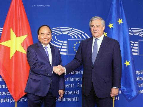 Viet Nam, EU se ky hiep dinh thuong mai tu do vao ngay 30/6 hinh anh