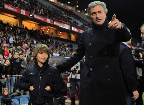 Mourinho viet tam thu day dung y gui con trai hinh anh
