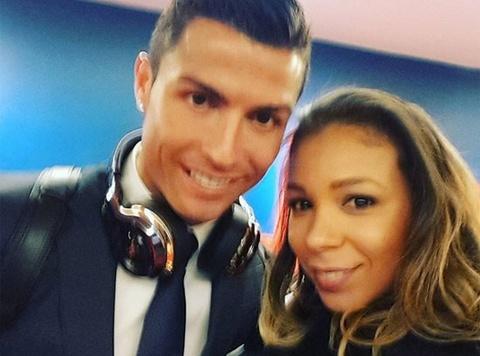 Theo chan sao: Ronaldo selfile cung vo Thiago Silva hinh anh