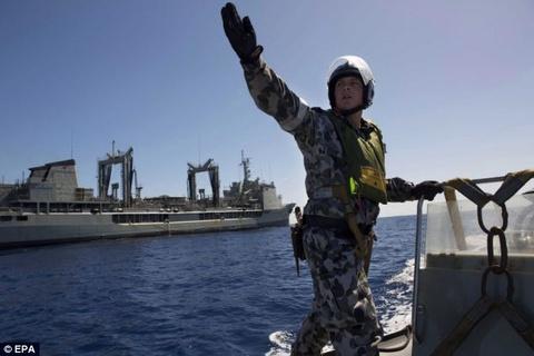 Nghi an lo hang mang cut tren MH370 giau thuoc no hinh anh