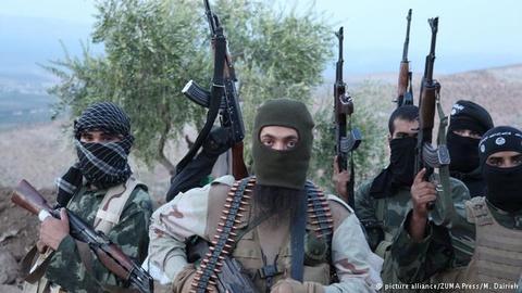 Hang chuc chien binh do My dao tao duoc dua vao Syria hinh anh