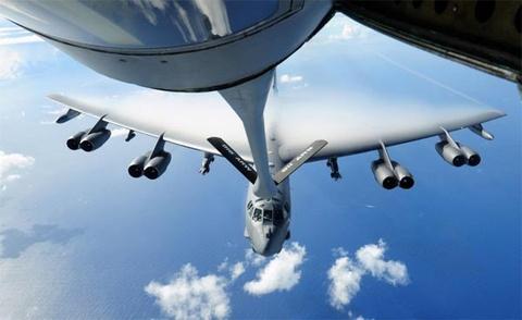 Suc manh phao dai bay B-52 ap sat dao phi phap Trung Quoc hinh anh 5