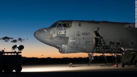 Suc manh phao dai bay B-52 ap sat dao phi phap Trung Quoc hinh anh 9