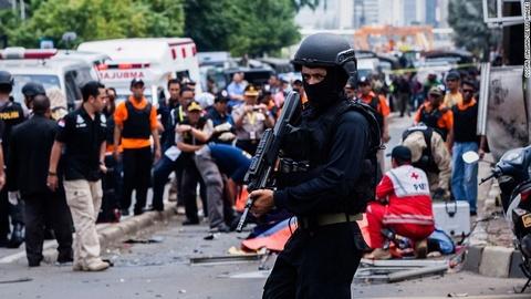 Dai su VN tai Indonesia: Nguoi Viet binh tinh sau khung bo hinh anh