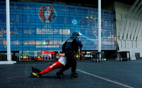 Phap dien tap chong khung bo bao ve Euro 2016 hinh anh 9