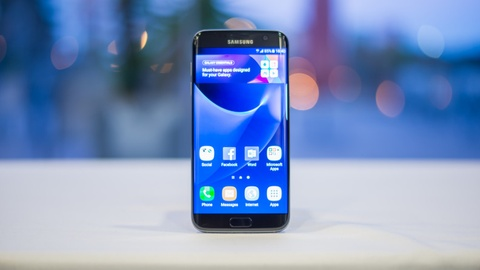 Galaxy S7 edge la smartphone tot nhat tai MWC 2017 hinh anh