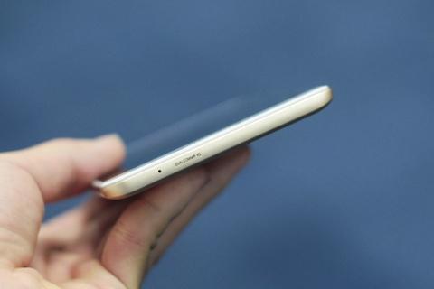 Anh smartphone RAM 6 GB dau tien cua Samsung sap ban tai VN hinh anh 9