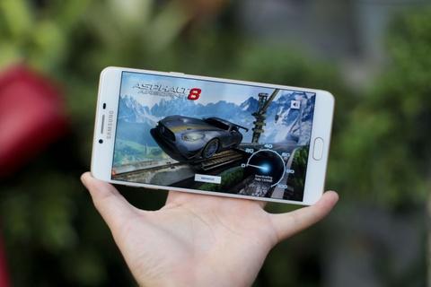 Danh gia Galaxy C9 Pro: Man hinh dep, choi game on dinh hinh anh