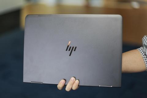 Trai nghiem laptop HP Spectre x360 man hinh gap 360 do hinh anh 3