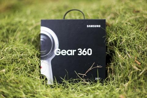 Anh thuc te Samsung Gear 360: Thiet ke moi, ho tro live video hinh anh 1