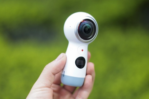 Anh thuc te Samsung Gear 360: Thiet ke moi, ho tro live video hinh anh 4