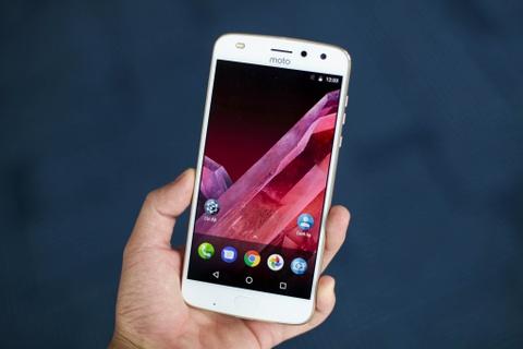 Danh gia Moto Z2 Play: Di nhan lang Android hinh anh 1