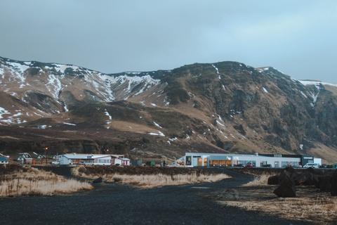 Chinh phuc Iceland: Song bang vuc tuyet va nhung ngon nui lua ngu quen hinh anh 9
