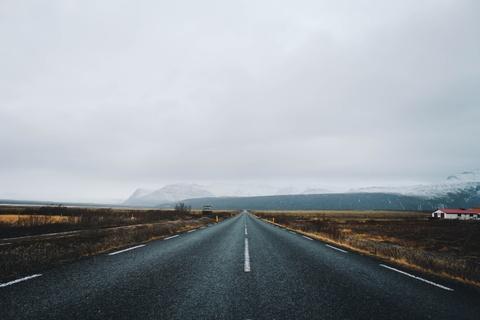 Chinh phuc Iceland: Song bang vuc tuyet va nhung ngon nui lua ngu quen hinh anh 1