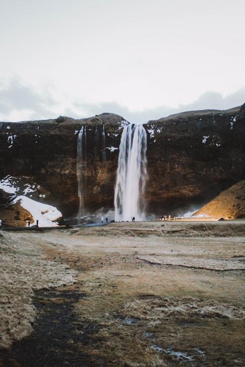Chinh phuc Iceland: Song bang vuc tuyet va nhung ngon nui lua ngu quen hinh anh 2