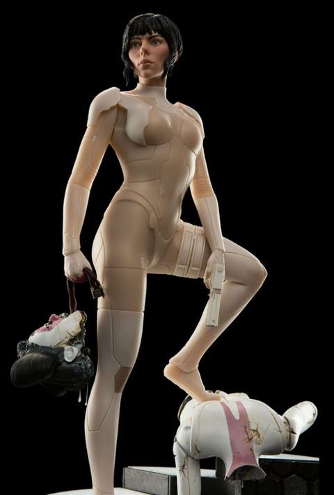 Trang phuc tang hinh cua Scarlett Johansson trong 'Vo boc ma' hinh anh 2
