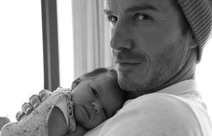 Harper Beckham: Cong chua nho trong long bo nay da lon hinh anh