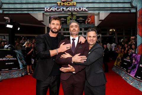 Nhung dieu chi co tren truong quay 'Thor: Ragnarok' hinh anh 2