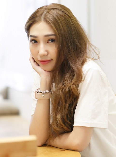 Khong Tu Quynh: Buon va nan khi bi goi la 'ca si het thoi' hinh anh 6