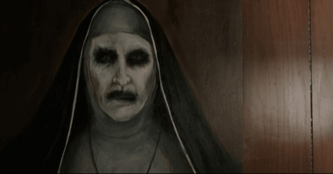 Ngoai truyen cua 'The Conjuring' gay am anh voi ma so Valak hinh anh