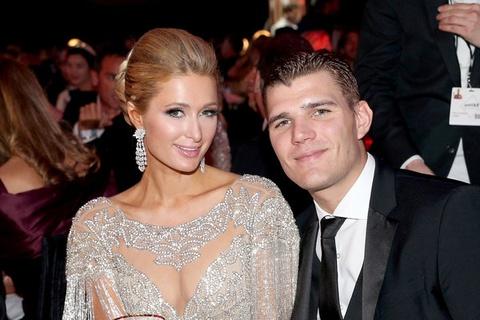 Lan thu ba huy hon, Paris Hilton chia tay nguoi tinh kem 4 tuoi hinh anh