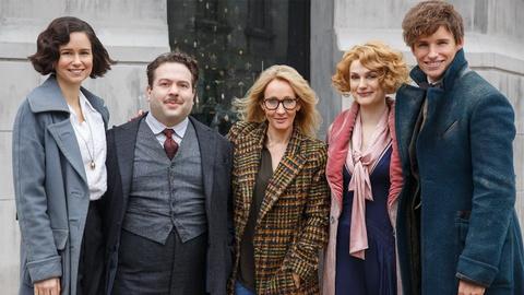 J. K. Rowling co dang tu tay bop chet loat phim 'Fantastic Beasts'? hinh anh 2