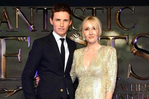 J. K. Rowling co dang tu tay bop chet loat phim 'Fantastic Beasts'? hinh anh 3
