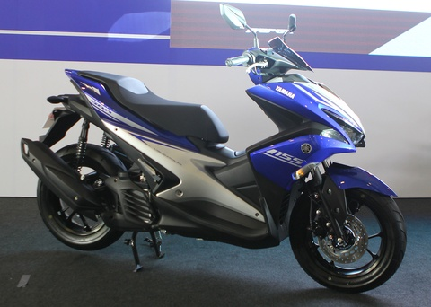 Chi tiet Yamaha NVX - xe tay ga thay the Nouvo hinh anh