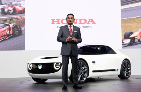 65% xe Honda ban ra nam 2030 se la xe dien hinh anh 2