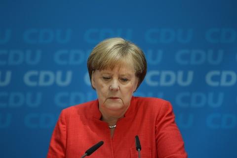 Phong cach Merkel 'loi thoi' tren san dien chinh tri? hinh anh