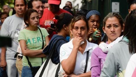 Doanh nhan Venezuela lo mat mang trong thoi loan hinh anh