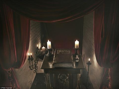 Ben trong lau dai co that cua Ba tuoc Dracula hinh anh 2