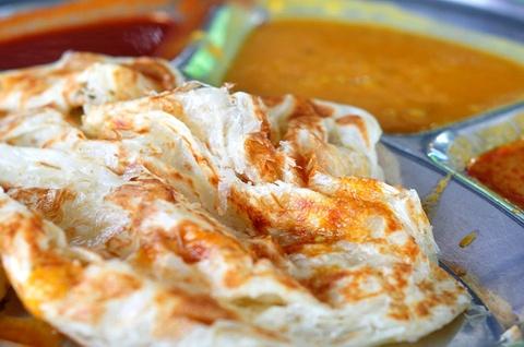 Roti canai - banh mi truyen thong me hoac thuc khach o Malaysia hinh anh