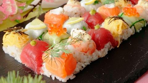 Lam sushi, mut cherry hap dan bang khay da hinh anh