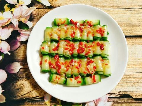 Toi nay an gi: Salad dua chuot chua cay chong ngan hieu qua hinh anh