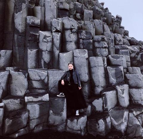 Bai bien cat den dep huyen ao khong ai duoc phep tam o Iceland hinh anh 11