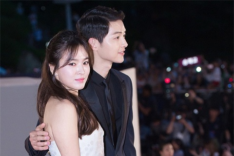 Ly do Song Hye Kyo khoc trong le cuoi duoc ban than tiet lo hinh anh