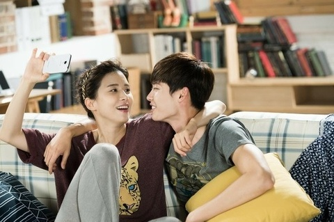 7 cuoc tinh chi em gay sot tren phim Han hinh anh 3