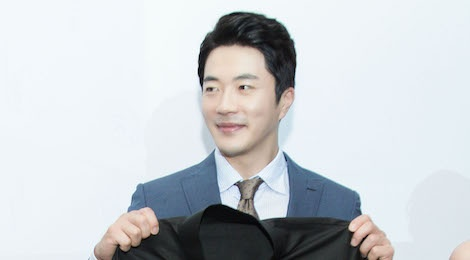 Kwon Sang Woo lich lam, dien trai ben dan my nhan showbiz Viet hinh anh