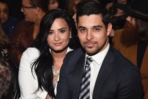 Nguoi yeu cu, ban be bang hoang truoc tin Demi Lovato soc ma tuy hinh anh