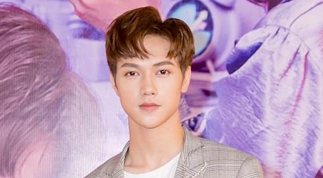 Hot boy Giai dieu chung doi dong MV tinh cam cung thanh vien nhom LIME hinh anh