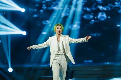 Vu Cat Tuong song ca hot boy Malaysia trong concert hoanh trang hinh anh 1