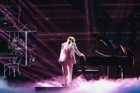 Vu Cat Tuong song ca hot boy Malaysia trong concert hoanh trang hinh anh 6