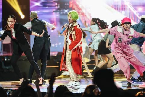 Vu Cat Tuong song ca hot boy Malaysia trong concert hoanh trang hinh anh 7