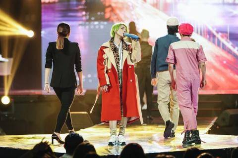 Vu Cat Tuong song ca hot boy Malaysia trong concert hoanh trang hinh anh 8