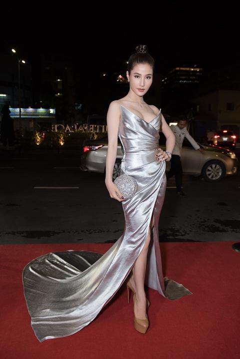 Do My Linh, Huyen My va dan my nhan Viet goi cam di xem thoi trang hinh anh 10