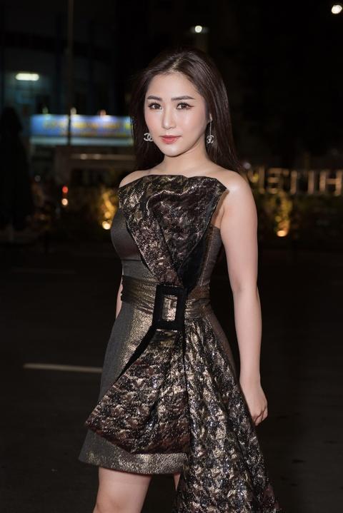 Do My Linh, Huyen My va dan my nhan Viet goi cam di xem thoi trang hinh anh 5